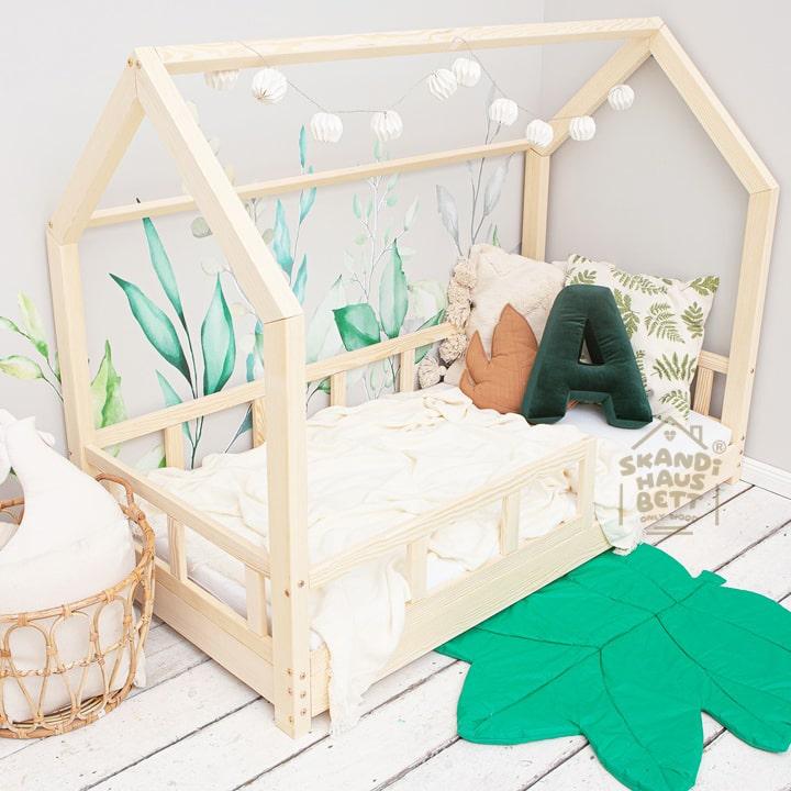 HAUSBETT Kinderbett mit Rausfallschutz